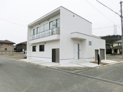 ホワイトモダンの家(笠岡市)