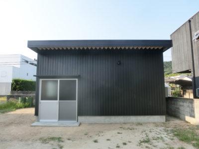 ブラック×スタイリッシュ 倉庫(笠岡市)
