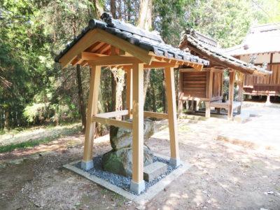 神社の手水舎(笠岡市)